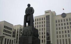 Минск, центральная площадь, памятник Ленину